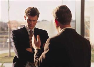 Những cấm kỵ trong khi bày tỏ thái độ trong giao tiếp