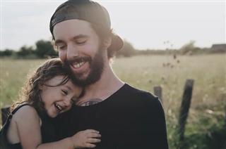 Những phẩm chất cha mẹ nên có khi nuôi con